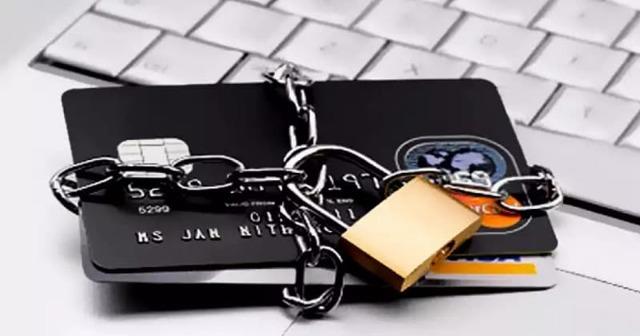 Что делать, если приставы арестовали карту СберБанка?